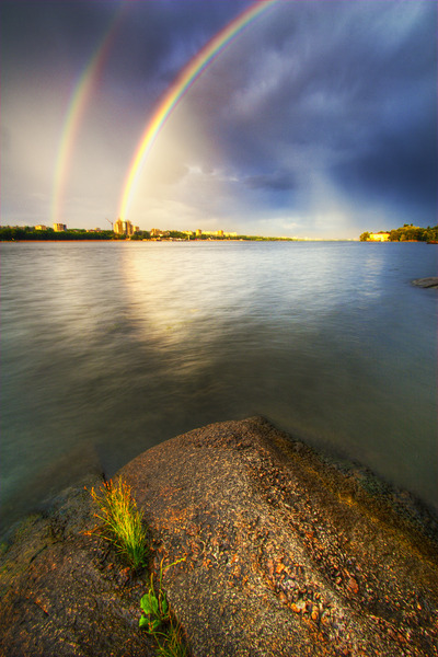 Artem Nosenko: city rainbow stones water