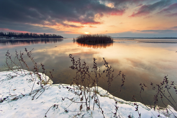 Artem Nosenko: sky water clouds island grass snow ice